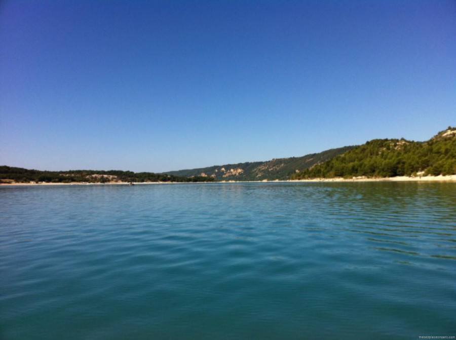 lac turquoise provence
